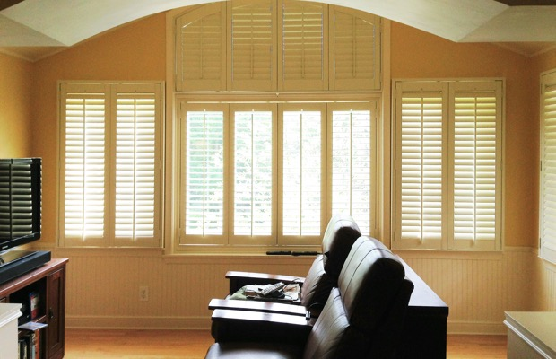 Phoenix plantation shutters in entertainment room