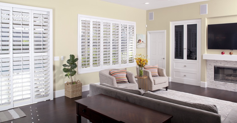 Cleaning Polywood plantation shutters in Phoenix is a breeze